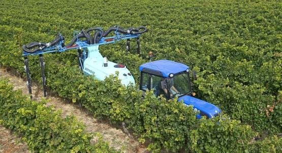 Wijnbouwspuit meerdere rijen