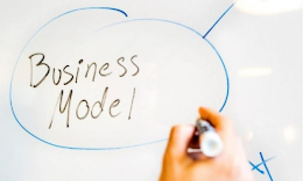 Business model - DjustConnect