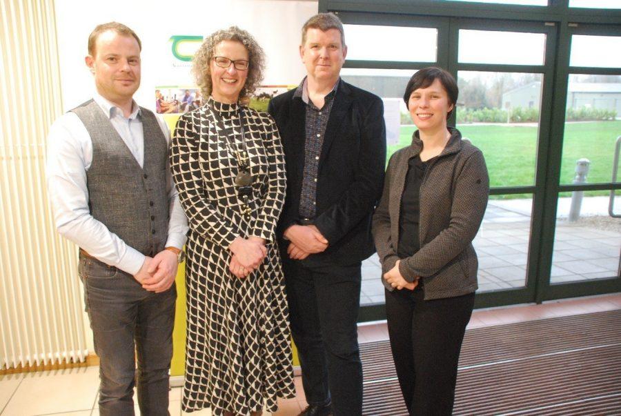 BovINE coördinator Maeve Henchion met vertegenwoordigers van de Vlaamse partners Boerenbond (Dirk Audenaert) en ILVO (Erwin Wauters en Karen Goossens) tijdens de oprichting van het netwerk in Ierland.